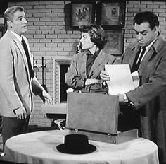 Paul Drake, Della Street and Perry Mason in a screen shot of this episode.